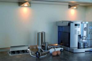 big fliptop 02 300x200 Gniazdka w kuchni   kolejne 3 modele gniazdek, które można zamontować w blacie kuchennym