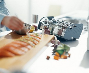 wkłady do szuflad blum przyprawy2 300x244 Wkłady do szuflad   ciekawe akcesoria kuchenne, które pomogą w lepszej organizacji kuchni