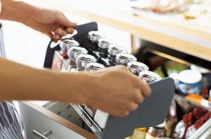 wkłady do szuflad blum przyprawy3 300x198 Wkłady do szuflad   ciekawe akcesoria kuchenne, które pomogą w lepszej organizacji kuchni