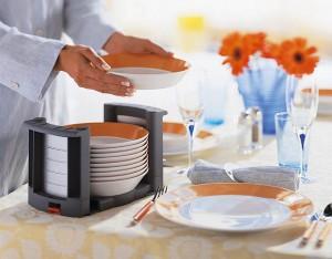 wkłady do szuflad blum talerze3 300x234 Wkłady do szuflad   ciekawe akcesoria kuchenne, które pomogą w lepszej organizacji kuchni